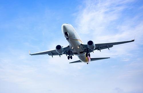 Wie verrichtet man das Gebet, wenn man im Flugzeug sitzt